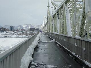 長生橋の歩道