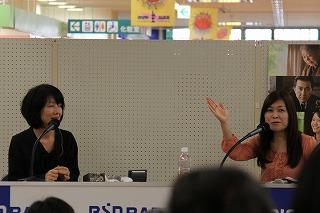 石塚かおりと和田朋子